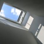 Pogled skoti strešno okno